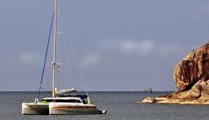 catamarano-in-mare