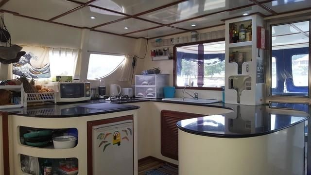 interni-catamarano2