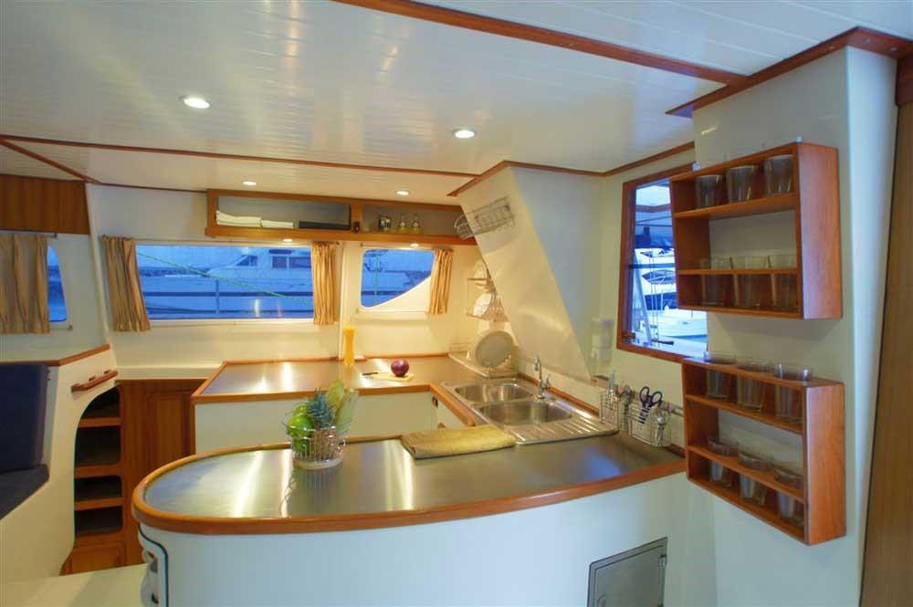 interni-catamarano
