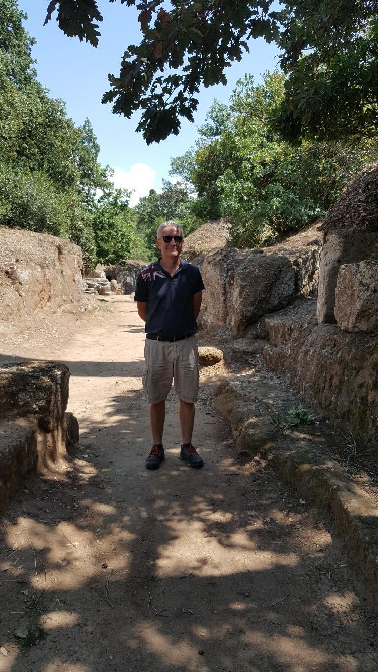 raoul-necropoli-etrusca