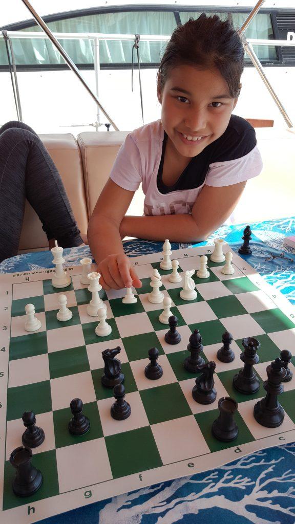 Alice gioca a scacchi